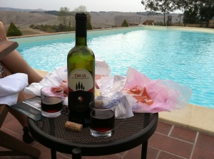 Poolside feast in Pienza
