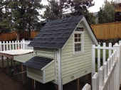 Coop with nesting box and cleaning drawer